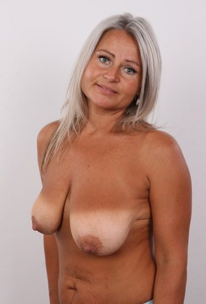 Saggy Tit MILFs Porn and Hot Naked Moms