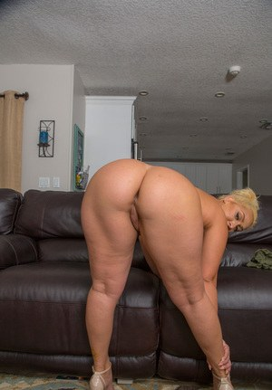 big shaking ass videos naked
